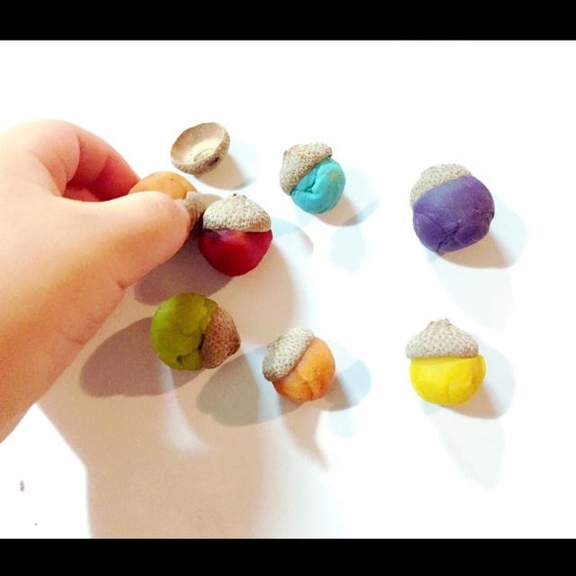 【アプリ投稿】粘土のどんぐりさん