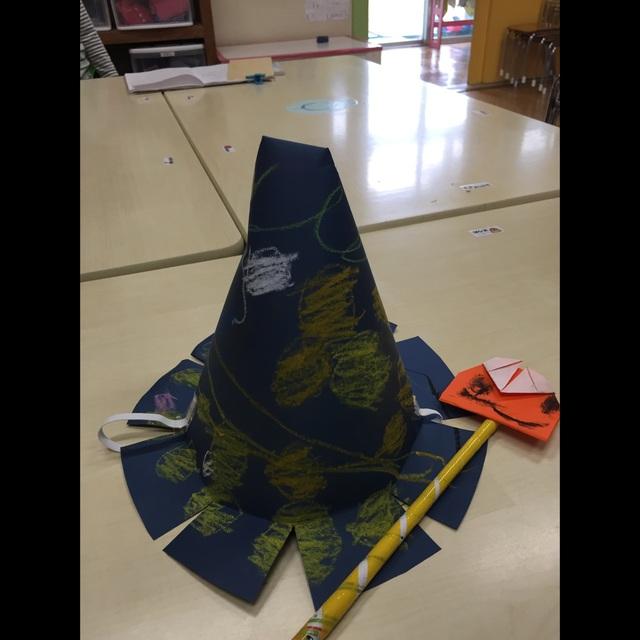 【アプリ投稿】3歳児魔法使い帽子とステッキ