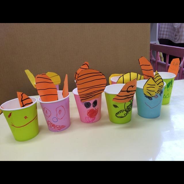 【アプリ投稿】3歳児豆入れカラー紙コップ