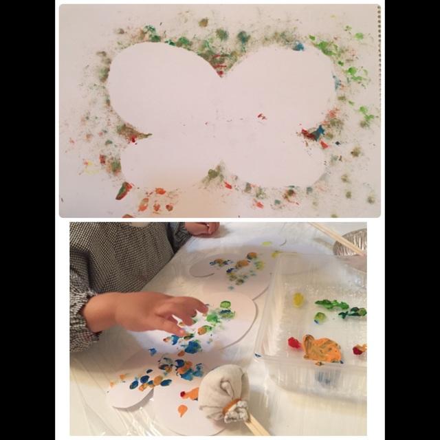【アプリ投稿】蝶々型の台紙に指でスタンプ