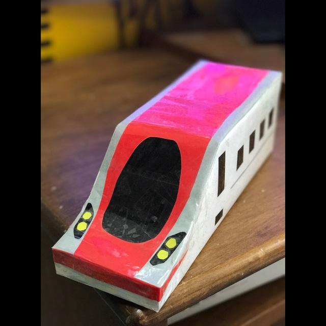 【アプリ投稿】牛乳パック電車、新入りです。
