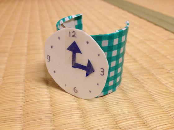 ブレスレット腕時計〜おでかけのお供に♪廃材を使った手作りアイテム〜