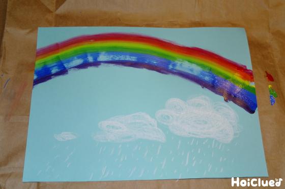 虹を描こうスポンジで楽しむアイディアお絵描き 保育や子育てが