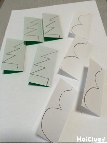 折り紙に絵を描いた写真