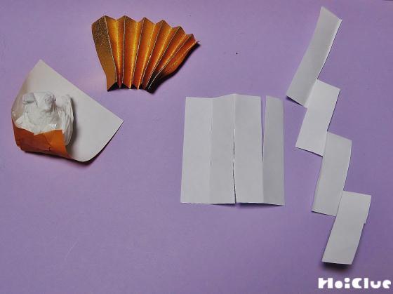 折り紙で作った飾りの写真
