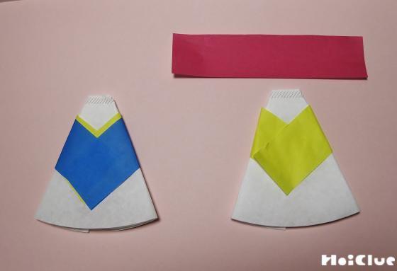 コーヒーペーパーの上に折り紙を貼り付けた写真
