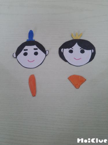 お雛様の顔と部品を作った写真