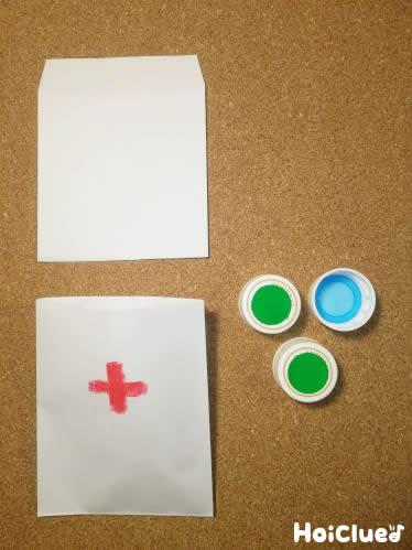 紙袋に絵を描いて薬袋を作った写真