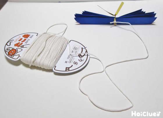真ん中を縛ってたこ糸に繋げている写真