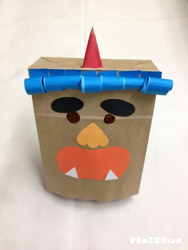 紙袋の鬼の顔の写真