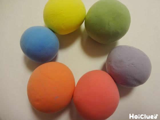 いろんな色をこねこねしちゃおう!〜カラー紙粘土の作り方〜