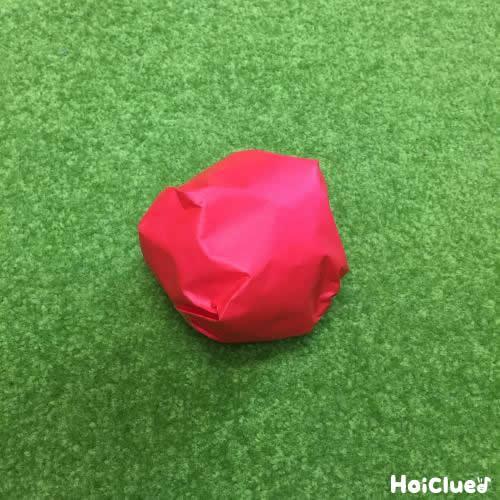 丸めた折り紙の写真