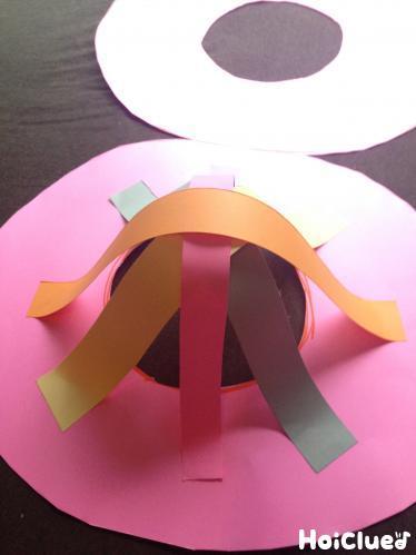 ドーナツ型二ふんわりとはりつけ帽子のようにしている写真