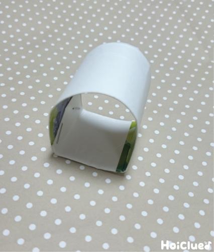 牛乳パックを細く切って突起になるような形を作った写真