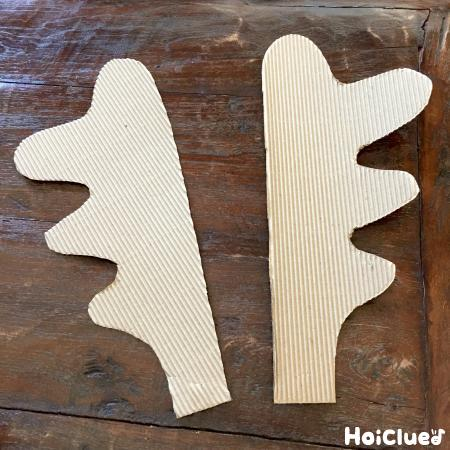 トナカイのツノを厚紙で作った作品