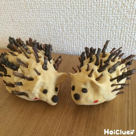 木の枝チクチクはりねずみ〜自然物で楽しむ製作遊び〜