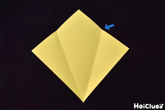 色画用紙に折り目をつけた写真