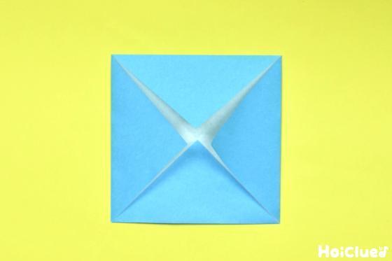 残り3つの角も同様に折った写真
