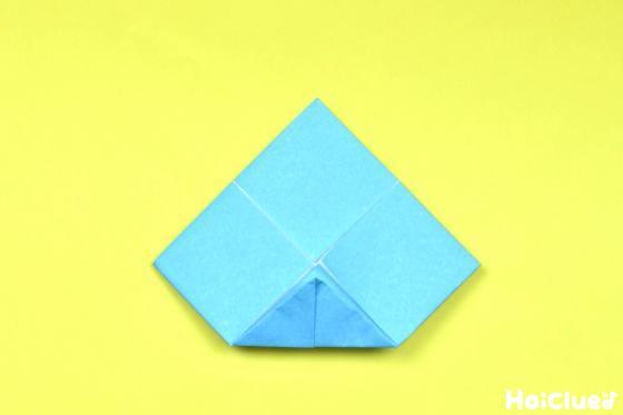 さらに裏返し中心部分に合わせて角を折った写真