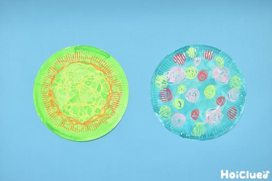 紙皿にはじきえ絵を描いた写真
