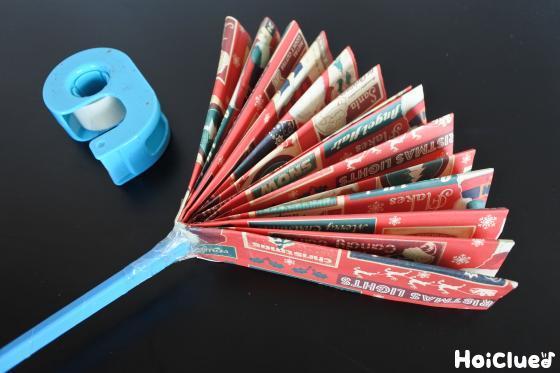 ジャバラに割り箸を留める写真