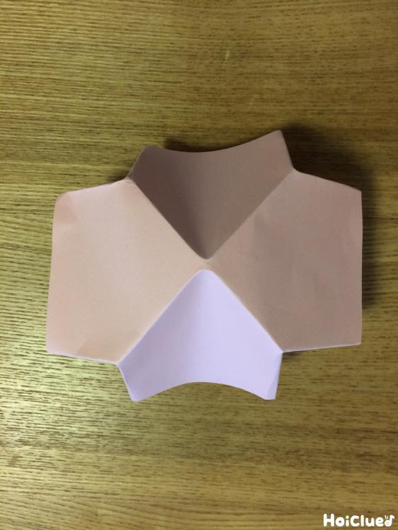 立体的になった画用紙