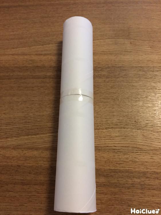 トイレットペーパーの芯を2個繋げた写真