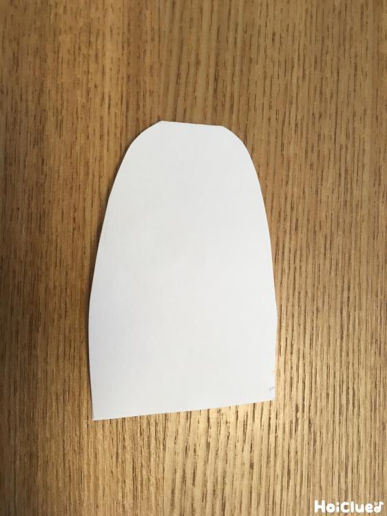 画用紙を山形に切った写真