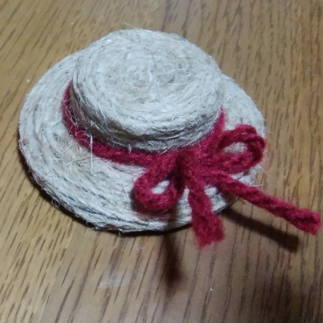 【アプリ投稿】ミニチュア麦わら帽子