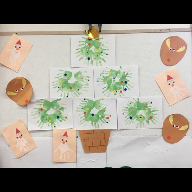 【アプリ投稿】クリスマスツリー 手形リース