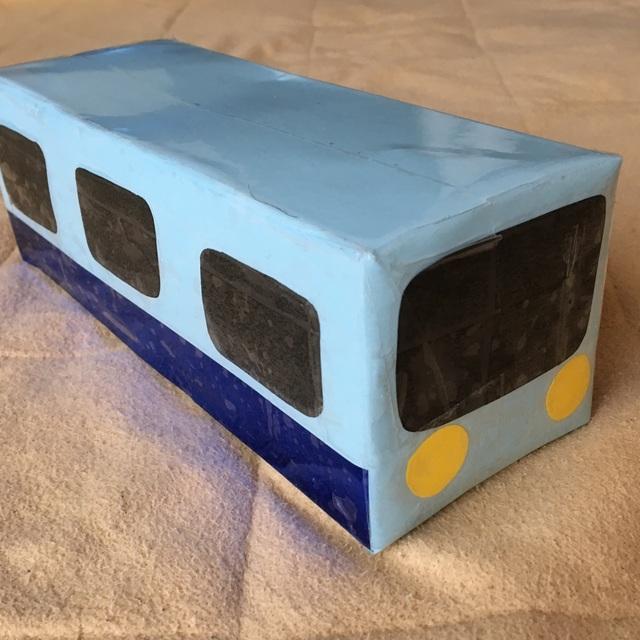 【アプリ投稿】牛乳パックのバス