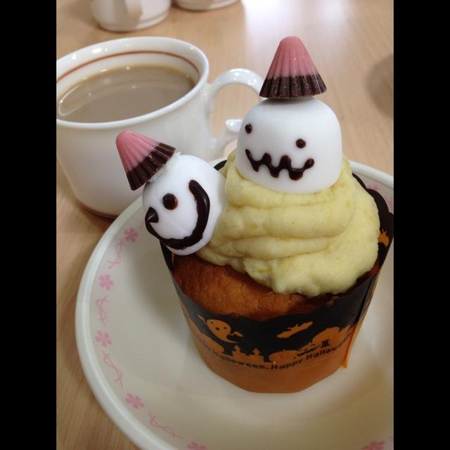 【アプリ投稿】さつまいもあんカップケーキ