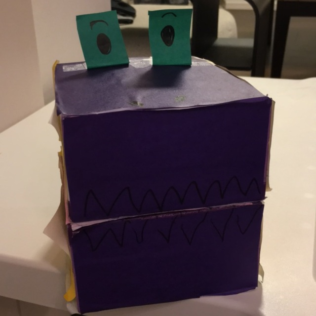 【アプリ投稿】ティシュペーパーの空箱と折り紙で恐竜!