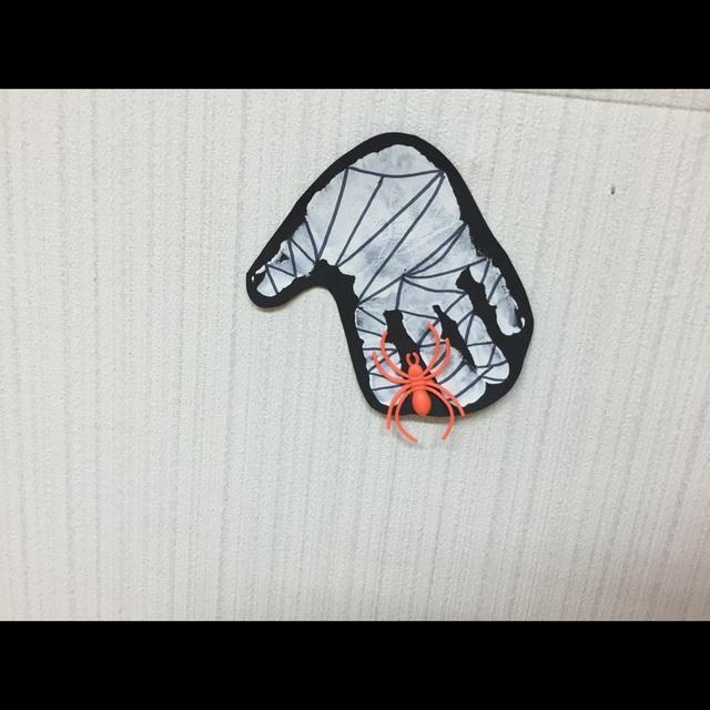 【アプリ投稿】手型でクモの巣