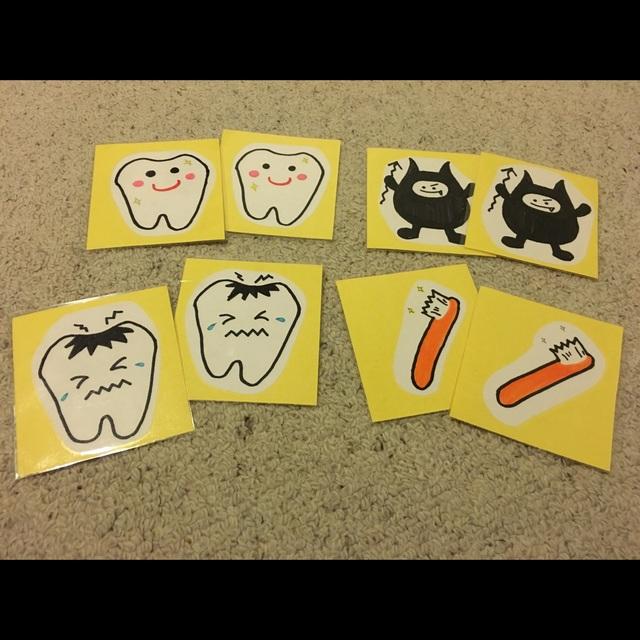 【アプリ投稿】虫歯予防デー カードゲーム作り。他にも、『は、み、が、き』の文字で 2枚ずつカードを作りばばぬきや、メモリーゲームなどができるように作りました。歯やバイキンマンの絵が書いてある台紙を渡し、子どもが色塗り。切り抜き、画用紙に貼った物を ラミネートして切りました。