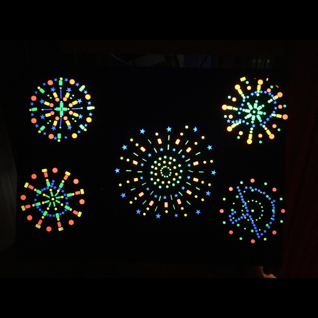 【アプリ投稿】【どんな花火】ブラックパネルシアター誕生会で大活躍!隠された絵が浮かび上がり幻想的!