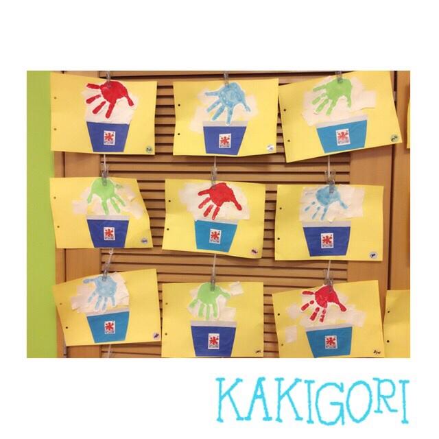 【アプリ投稿】   【手型アート】・3歳児・折り紙・画用紙・絵の具3色(いちご/ハワイブルー/めろん)