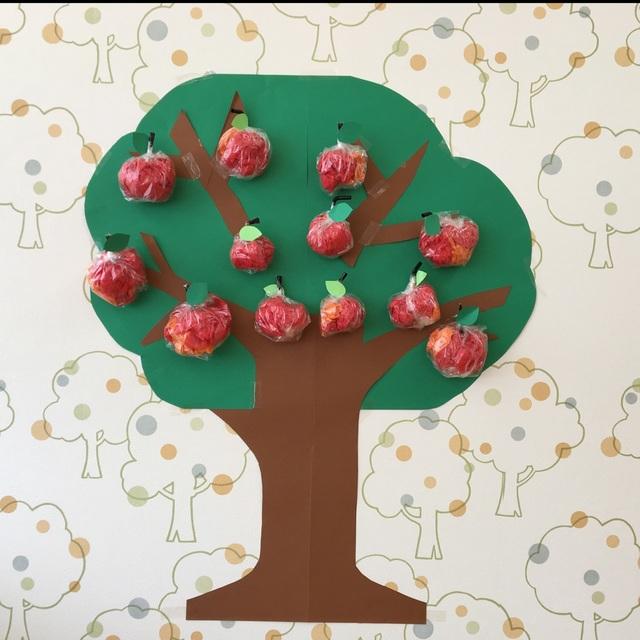 【アプリ投稿】壁面 りんごの木