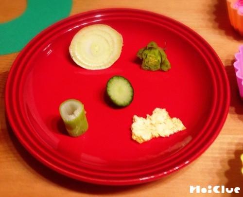 様々な野菜の切れ端の写真