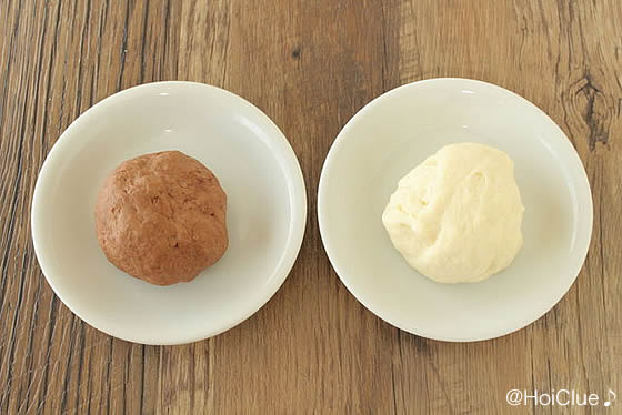 白と茶色の二種類の種の写真