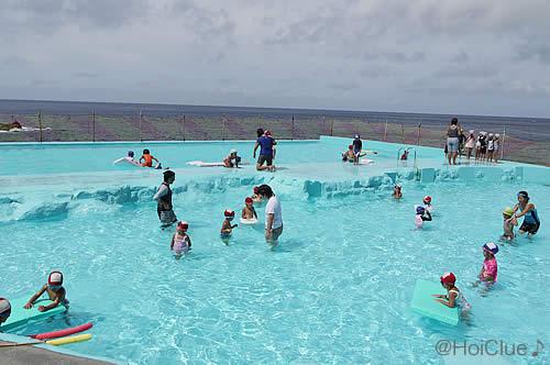 海水プールの写真