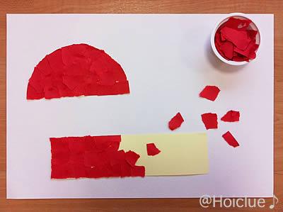 ちぎった画用紙を半円と長方形に貼っている写真