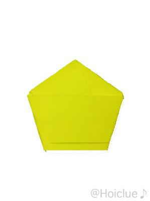 画用紙を五角形にした写真
