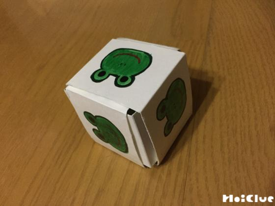 牛乳パックでキューブパズル〜集中して楽しめる!廃材を使った製作おもちゃ〜
