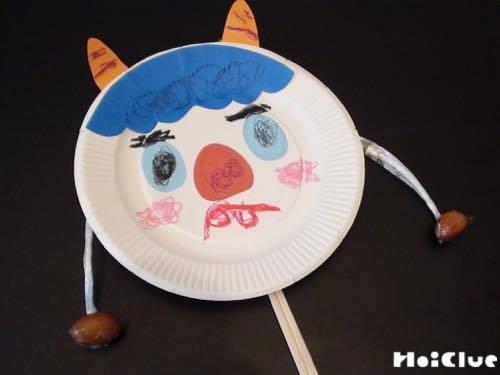 紙皿とドングリの鬼太鼓〜音が鳴る、節分時期にも楽しめそうな製作遊び〜