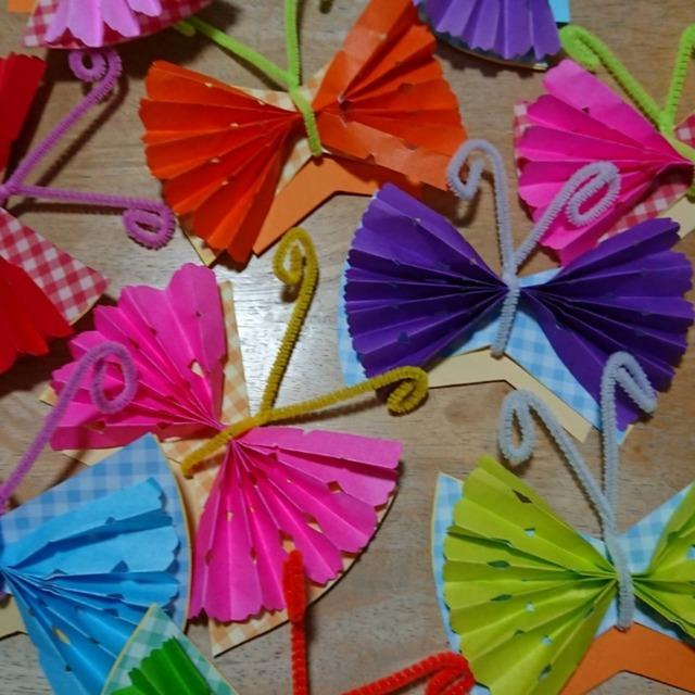 【アプリ投稿】切り紙の蝶々