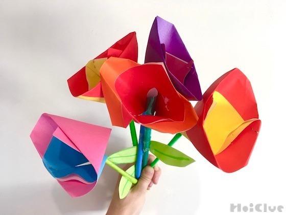 折り紙でつくるカラフルチューリップのつくり方〜部屋飾りやプレゼントになりそうな製作遊び〜