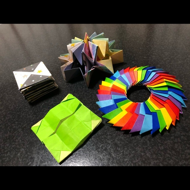 【アプリ投稿】クルクル回して遊べる折り紙