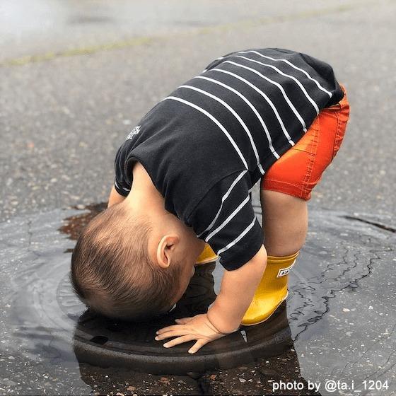 水たまりって、どんな感じ…?〜2020年11月のhoiclue_worldより〜 こどもの「やってみたい」って、おもしろい!