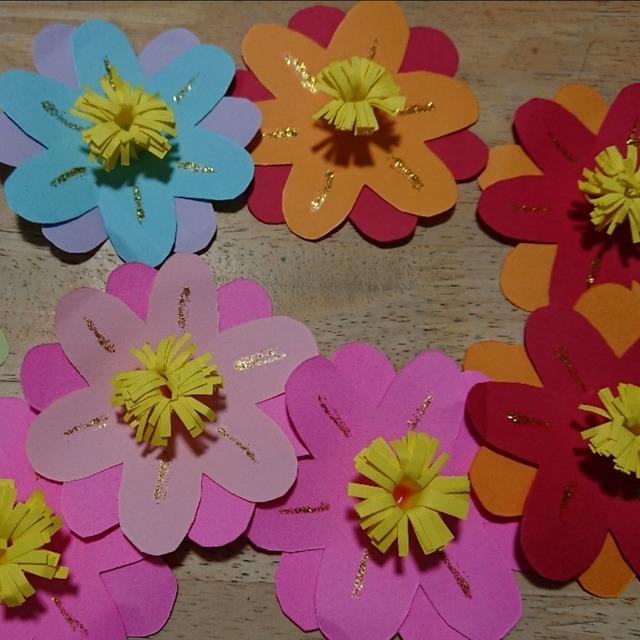 【アプリ投稿】卒園式、入園式に向けての花の飾りです💖